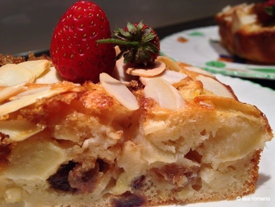 YoghurtCake6 Yoghurt and Apple Vanilla Cake