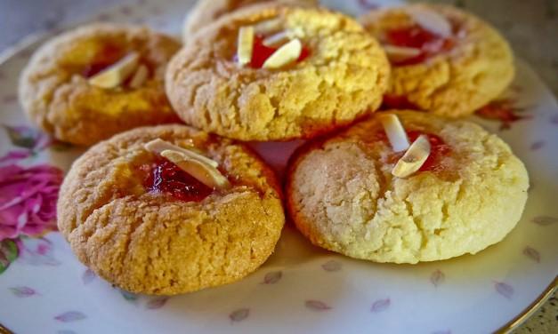 "Almond Bites ""Pastini di Mandorle"""