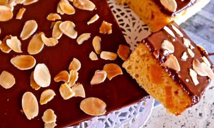 Apricot and Almond Tray Bake