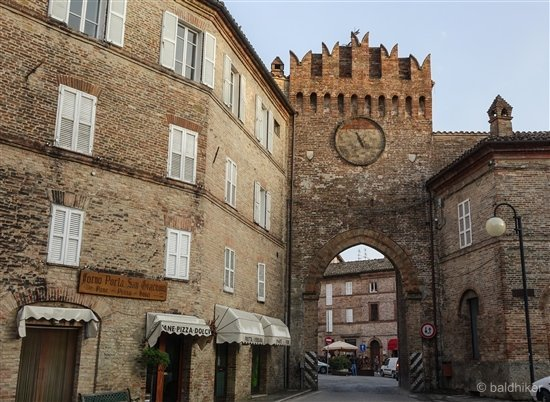 amandola-13-Le-Marche Amandola – Gateway to the Sibillini Mountains