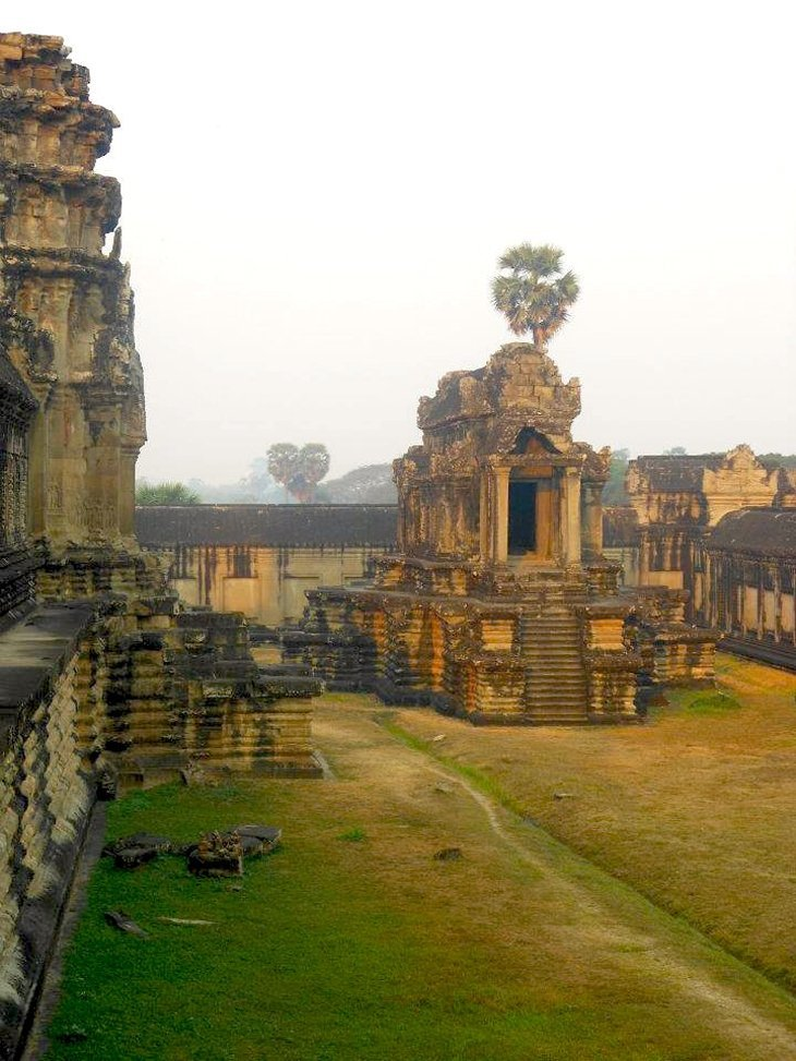 aw12 Angkor Wat – The Ancient Temple City Of Cambodia