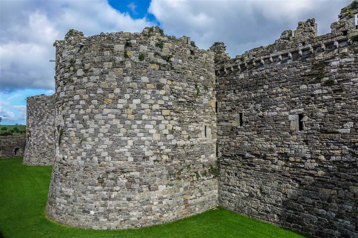 beaumaris castle walls from outside