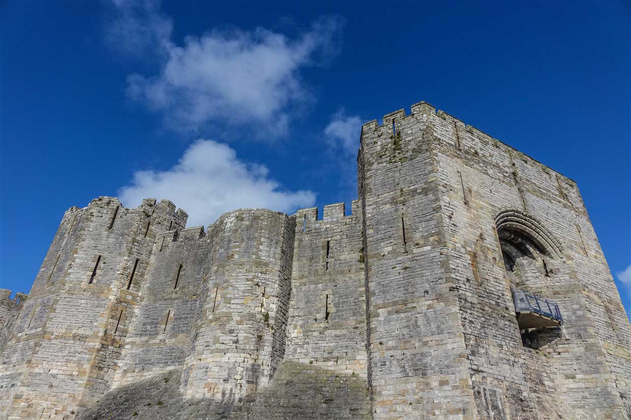 castle-11-caernarfon Caernarfon Castle - The Mighty Medieval Fortress
