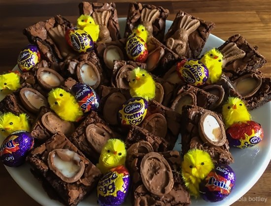 Easter Brownies – a chocolate eggs and bunnies delight