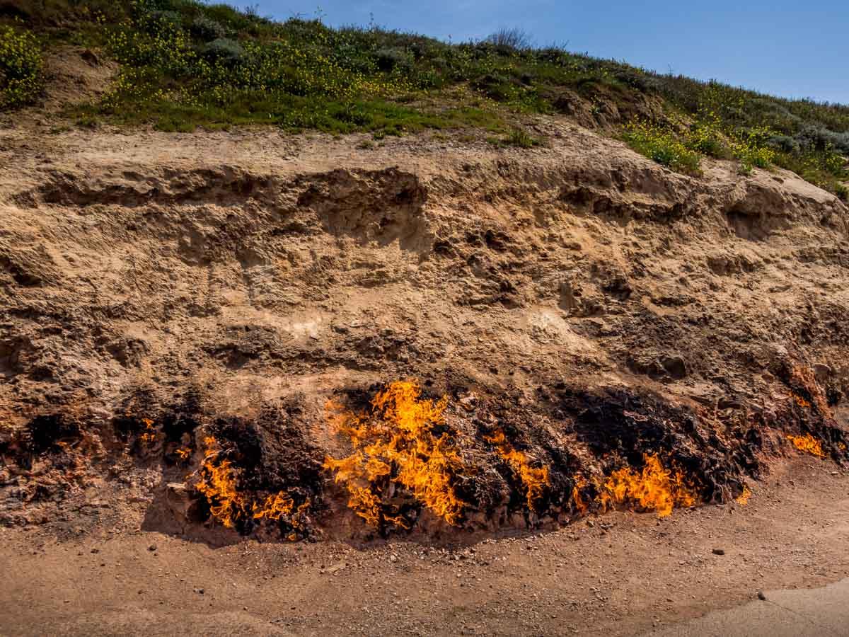 fire-mountain-azerbaijan-6 Yanar Dag, The Burning Mountain of Azerbaijan