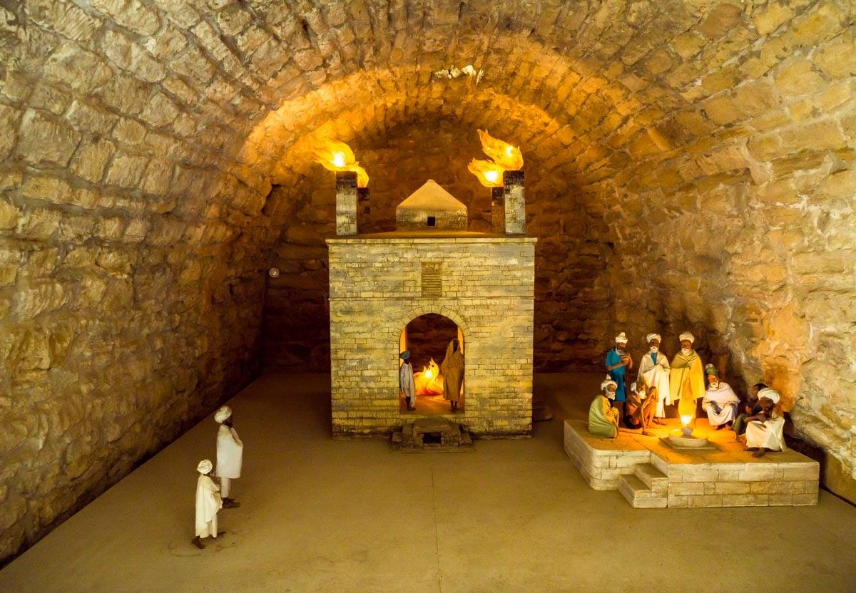 fire-temple-azerbaijan-6 Ateshgah - The Fire Temple of Baku
