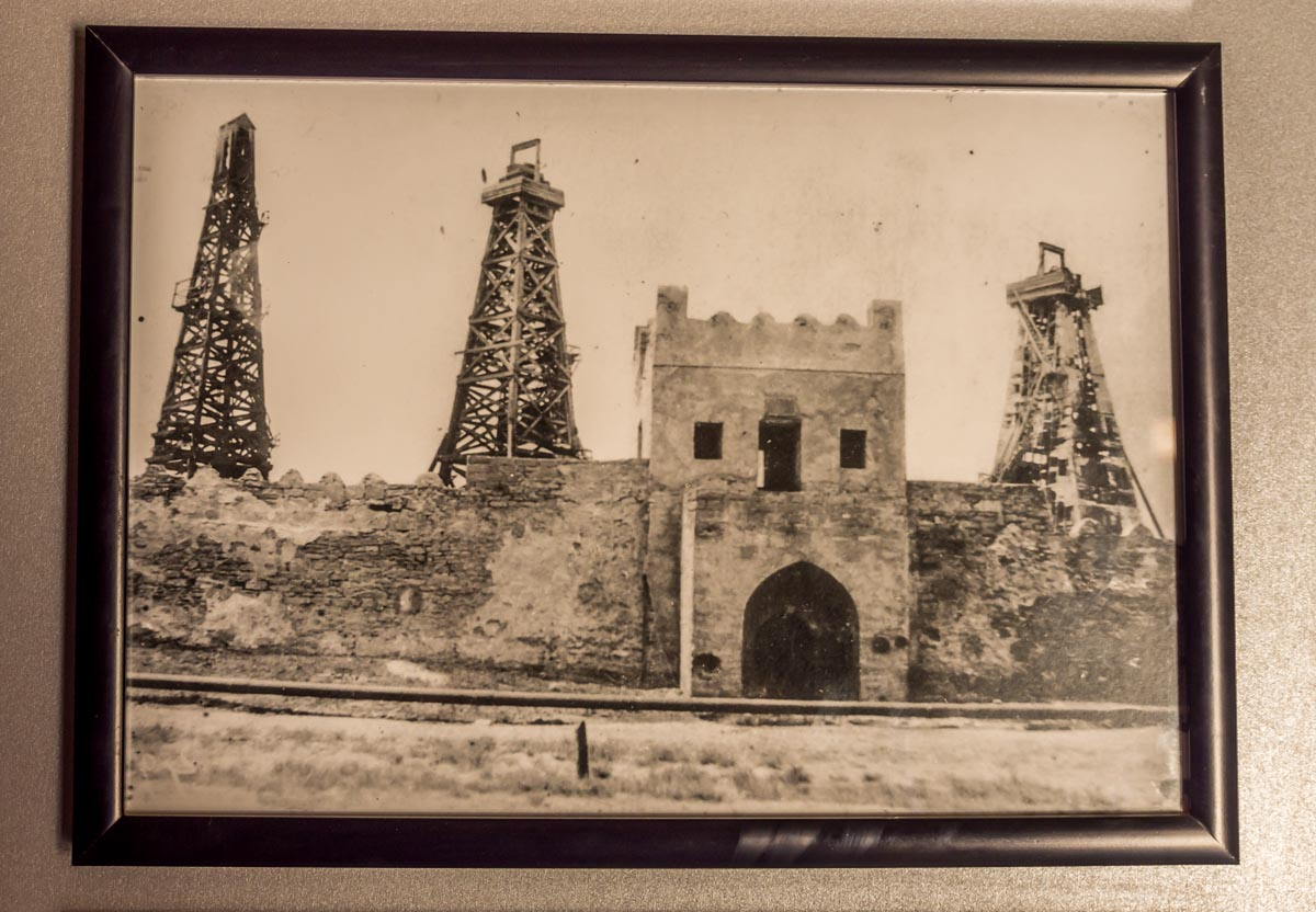 fire-temple-azerbaijan-7 Ateshgah - The Fire Temple of Baku