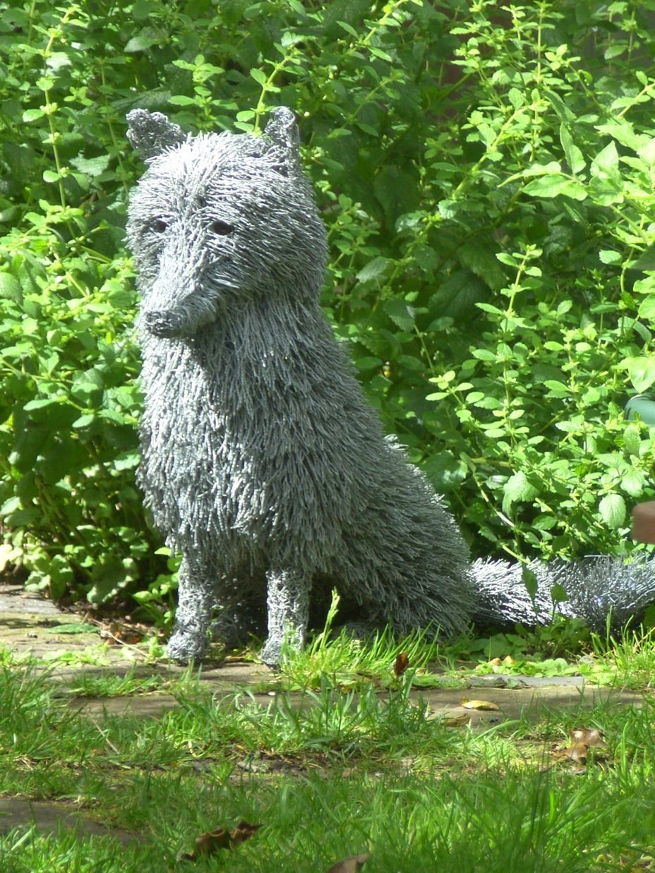 fox 4 wire sculptures Sculptures of the natural world: made from reused wire