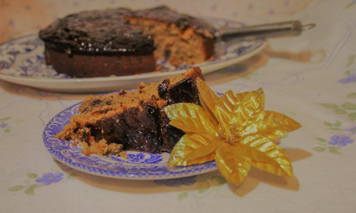 fruit-cake-2 All Gone Cake – An Easy, Boozy Fruit Cake