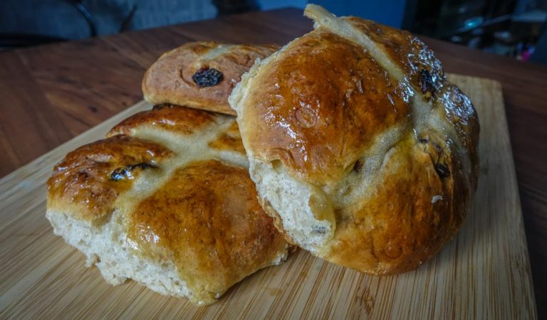 Light and Spicy Hot Cross Buns Recipe