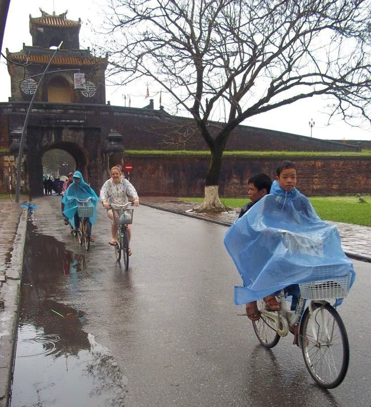 Exploring Hue by bicycle