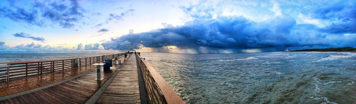 Juno Beach Pier, Florida: Colours and Scenes