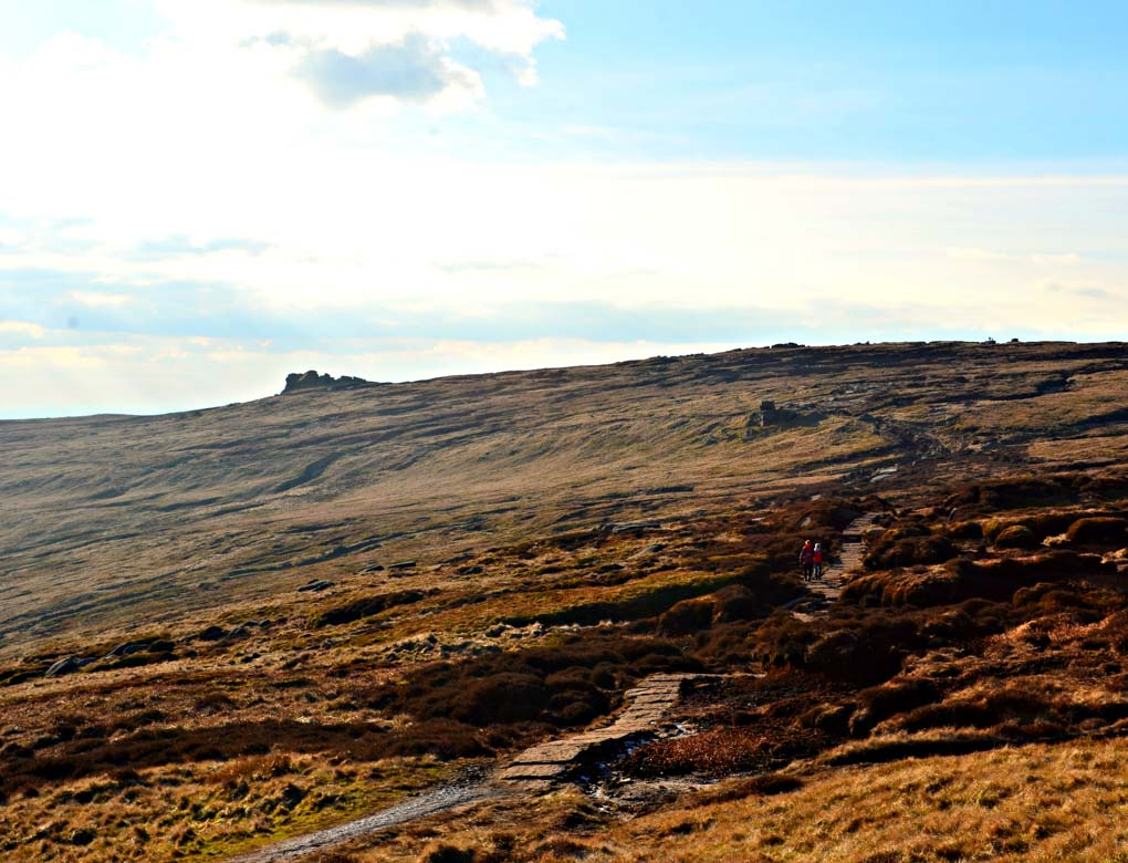 Hike to the Woolpacks on Kinder Scout via Upper Booth – Peak District