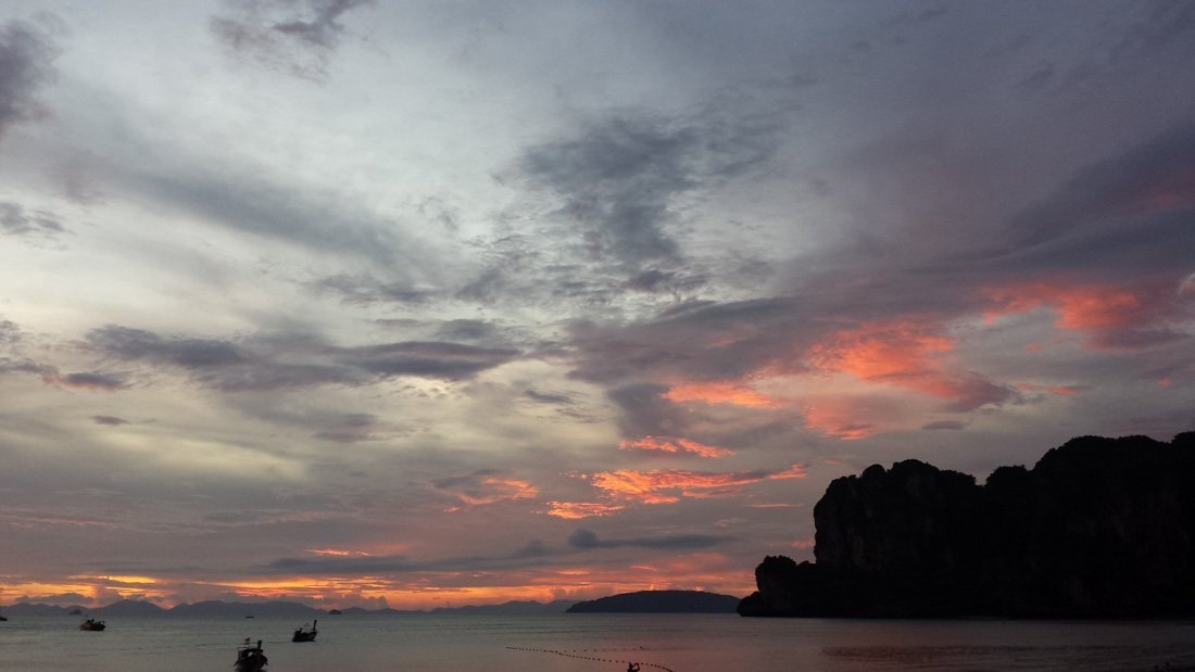 railay-sunset-2 Watching Sunset on Railay Beach, Thailand