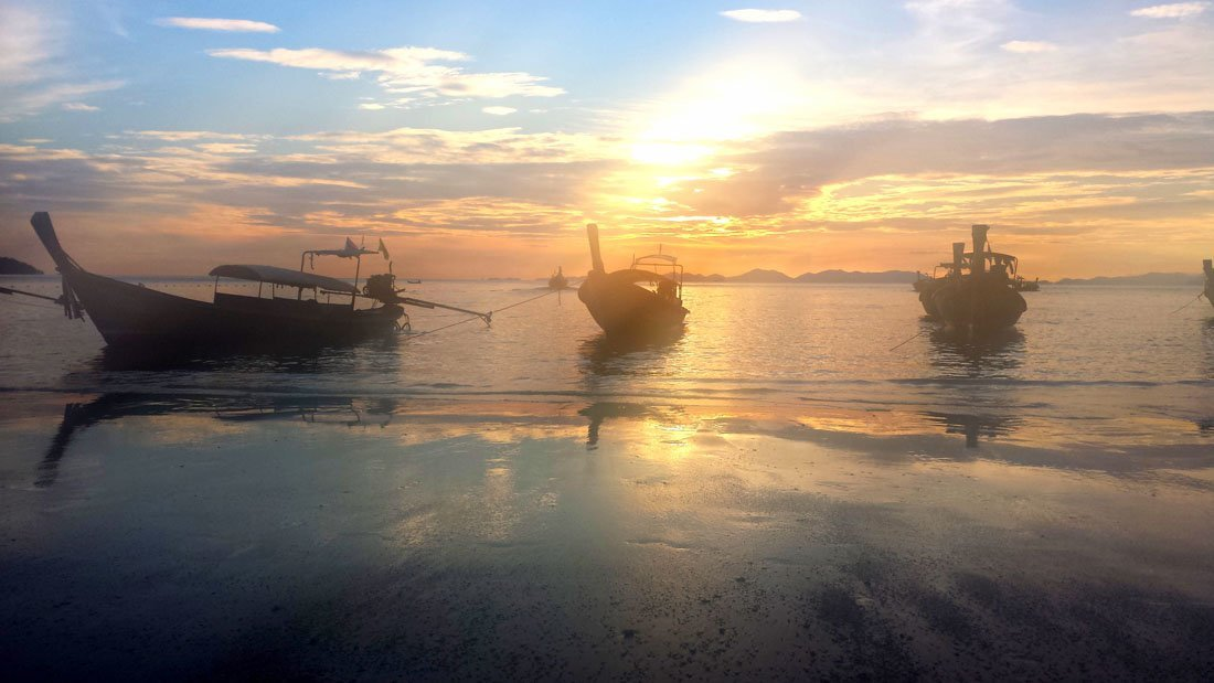 railay-sunset-6 Watching Sunset on Railay Beach, Thailand