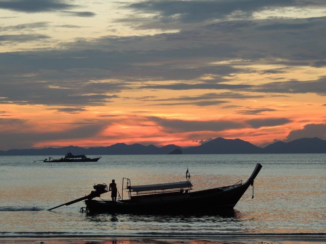 railay-sunset-9 Watching Sunset on Railay Beach, Thailand