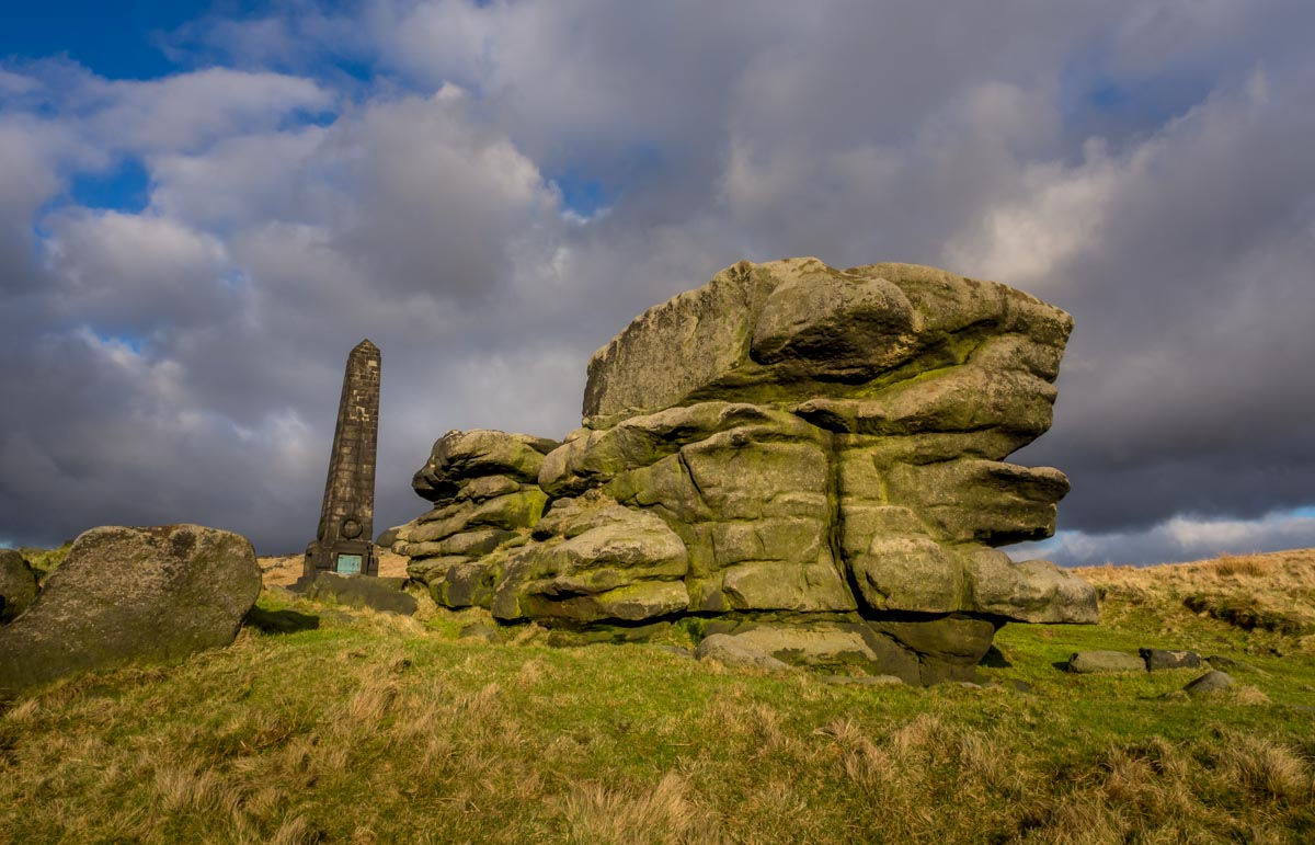 mysterious rock formations saddleworth