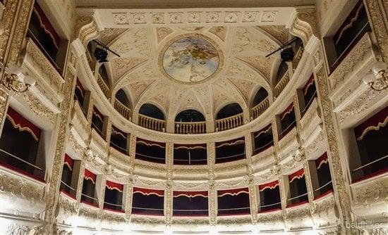 theatre Amandola-4- Le Marche
