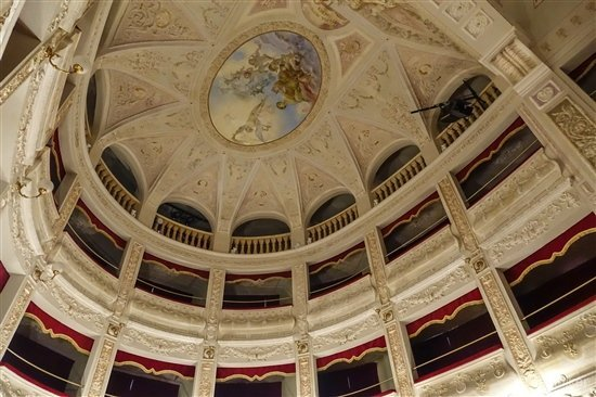 theatre Amandola-6- Le Marche