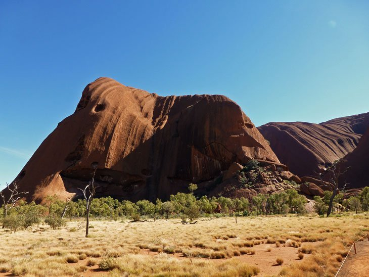 uluru01-010 Uluru, Australia – A Landmark of Culture and Awe