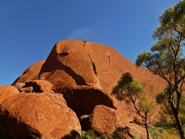 uluru01-032 Uluru, Australia – A Landmark of Culture and Awe
