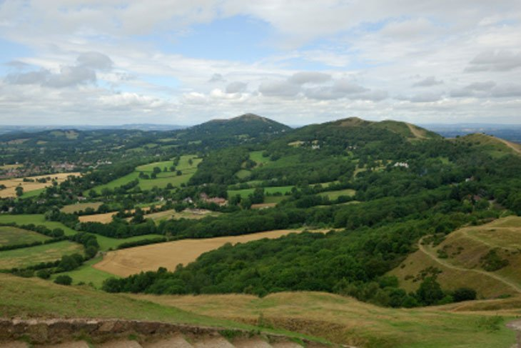 view5 English Hills – Look Out, Look Down and Wander Around
