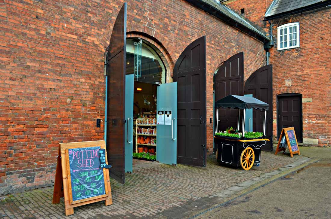 wollaton-hall-cafe-potting-shed-6 Café in the Courtyard & The Potting Shed at Wollaton Park Nottingham