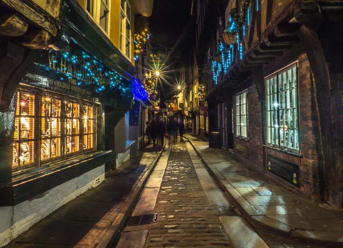 york-photography-sh A Christmas Evening Walk Around York