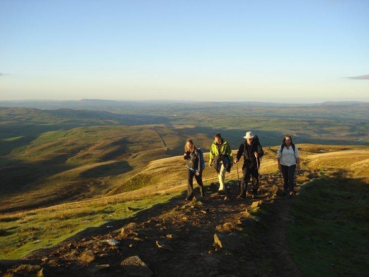 yorkshire 3 peaks group walking